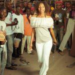 Gebrauchtkleidung Fashionshow in Afrika